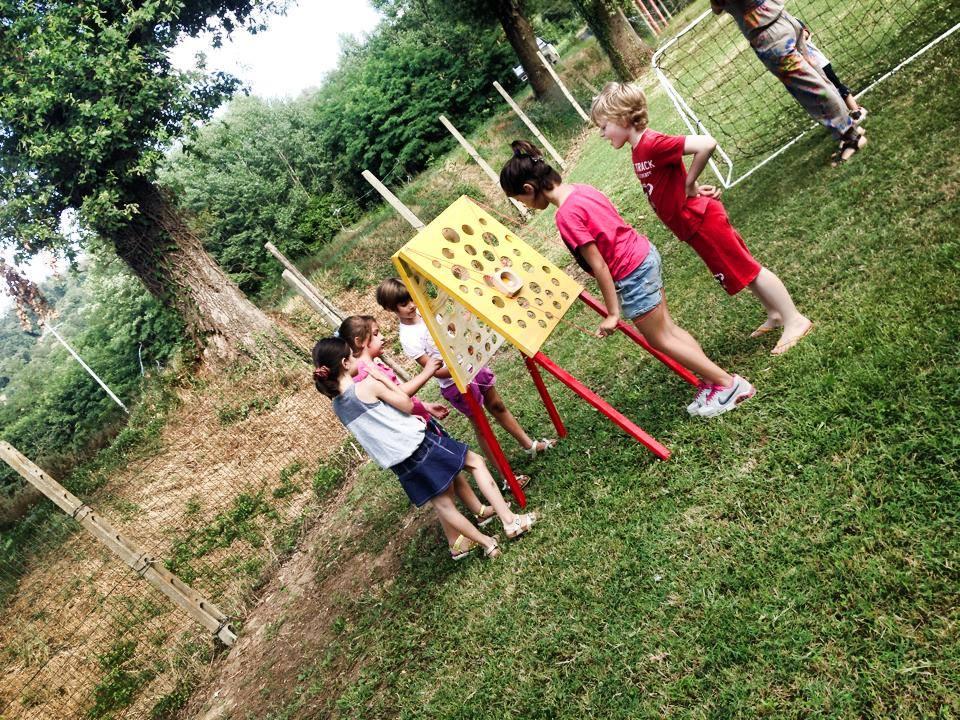Festa luna park per bambini a motevarchi valdarno for Cortile giochi per bambini