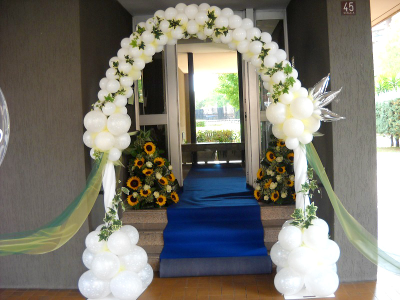 Famoso Allestimento per Matrimonio con Palloncini, ristorante, chiesa e  AL69