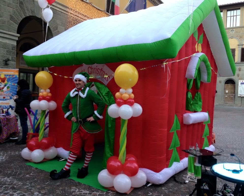 Casetta Di Natale Gonfiabile : Noleggio casa di babbo natale feste a tema animazione feste per