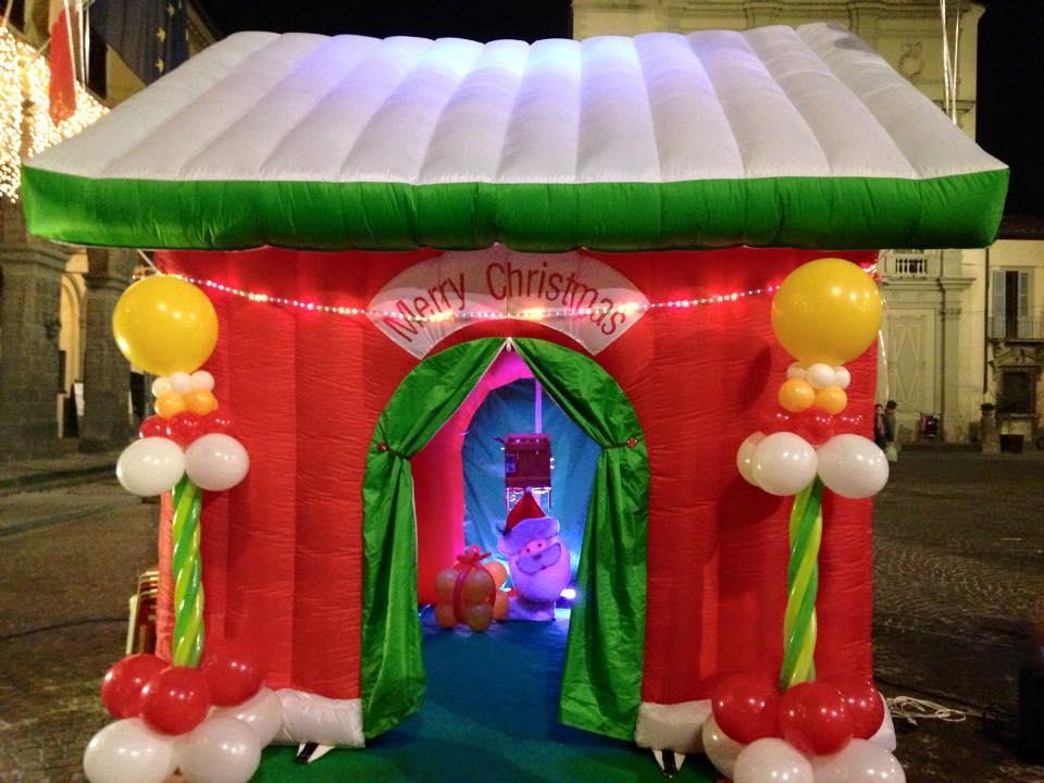 Casetta Di Natale Gonfiabile : Noleggio casa di babbo natale feste a tema animazione feste