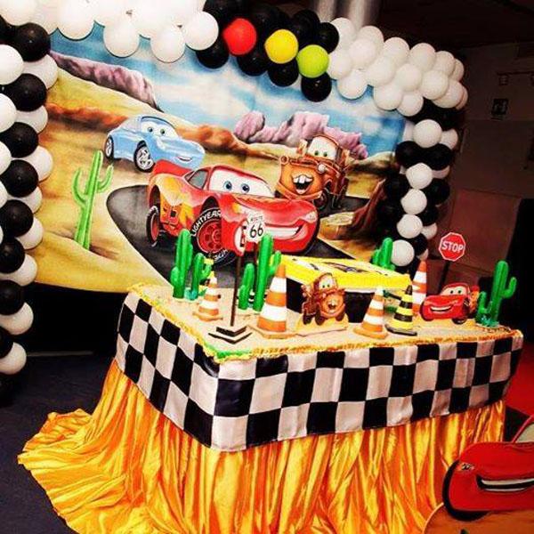 ... cars della disney allestimento festa per bambini con tema cars della