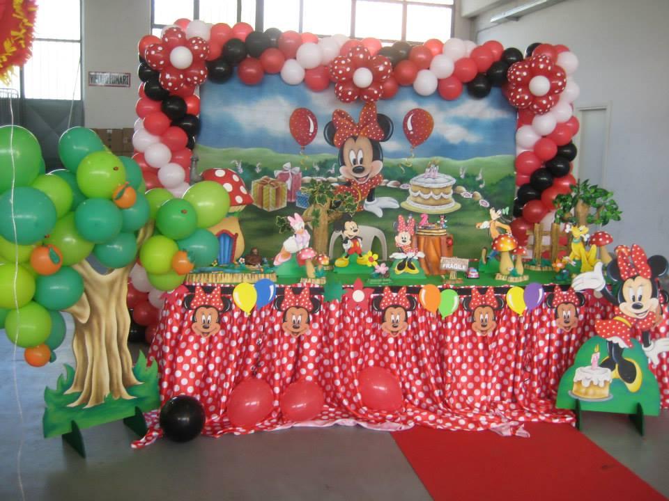 Tavolo Compleanno Bimbo : Idee per festeggiare il primo compleanno le decorazioni più belle