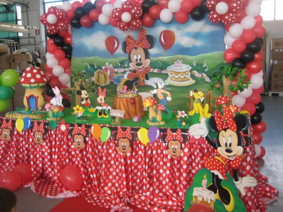 Allestimento per feste di compleanno per bambini con for Decorazioni compleanno bimba