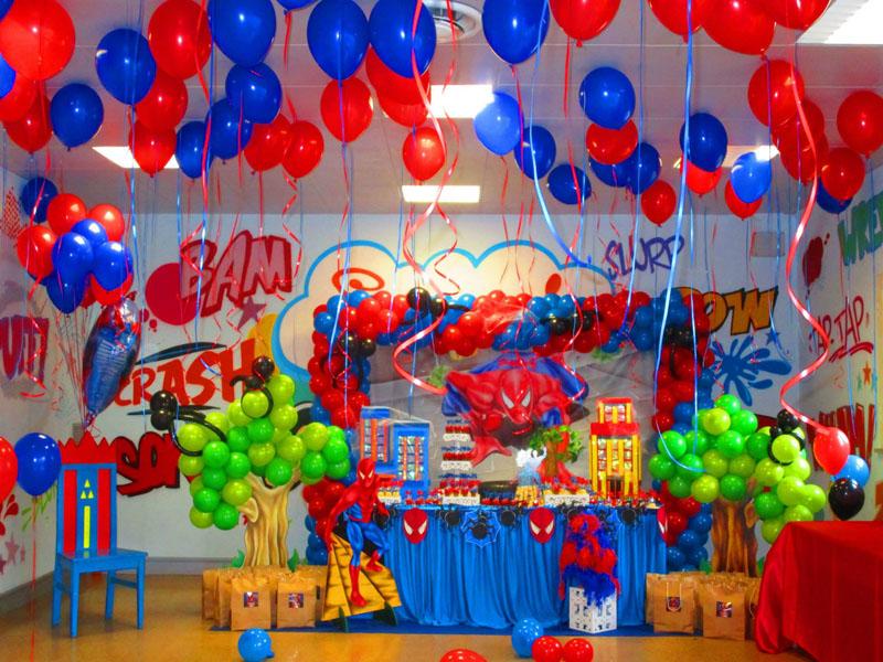 Tavolo Compleanno Uomo : Allestimento per feste di compleanno per bambini con palloncini ad
